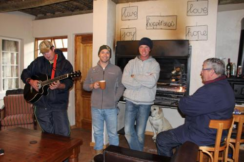 Heating up at the fire... Tertius, Bul and uncle Boytjie